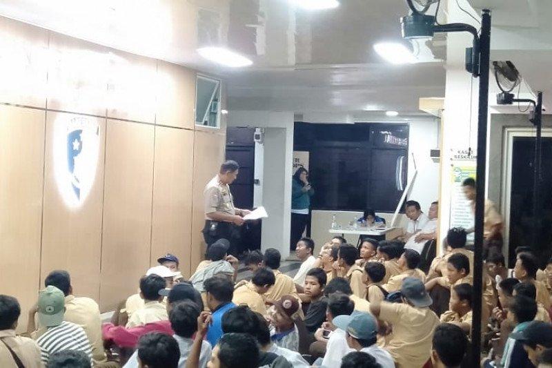 Polres Jakarta Barat amankan 144 pelajar hendak demo