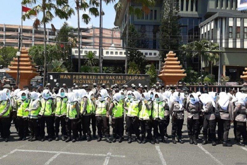 Dinginkan Demo Dprd Surabaya Polda Jatim Terjunkan Pasukan