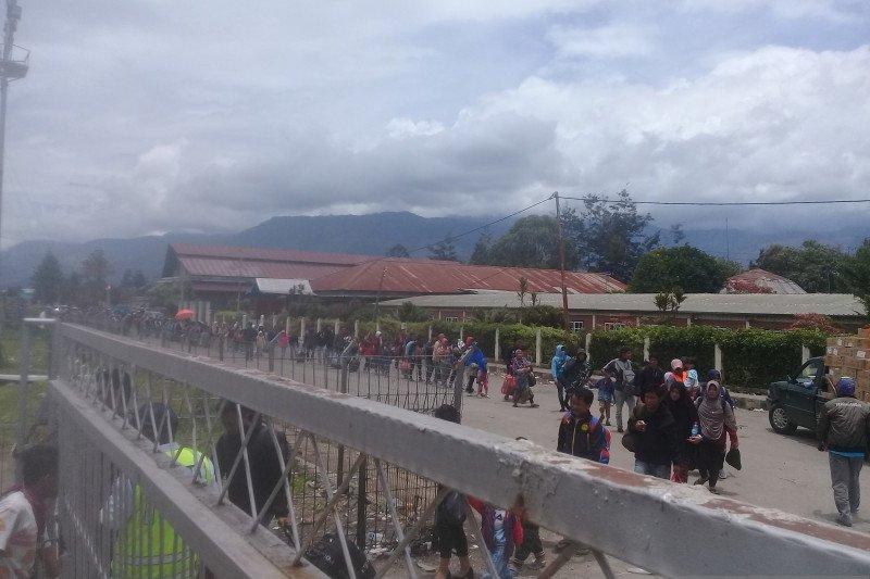 Pengungsi pengguna Hercules diperas, TNI AU tindak tegas