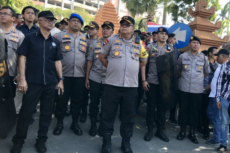 Polisi periksa 50 orang diduga provokator saat aksi massa di Surabaya