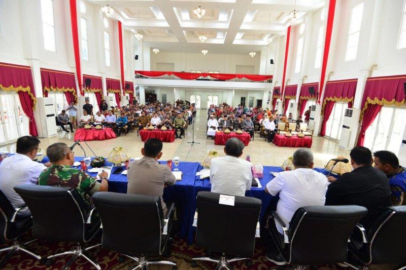 Gubernur Sulsel kumpulkan pimpinan kampus redam demonstrasi