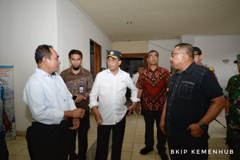 Budi Karya ke Ambon, pastikan kondisi bandara dan pelabuhan pascagempa