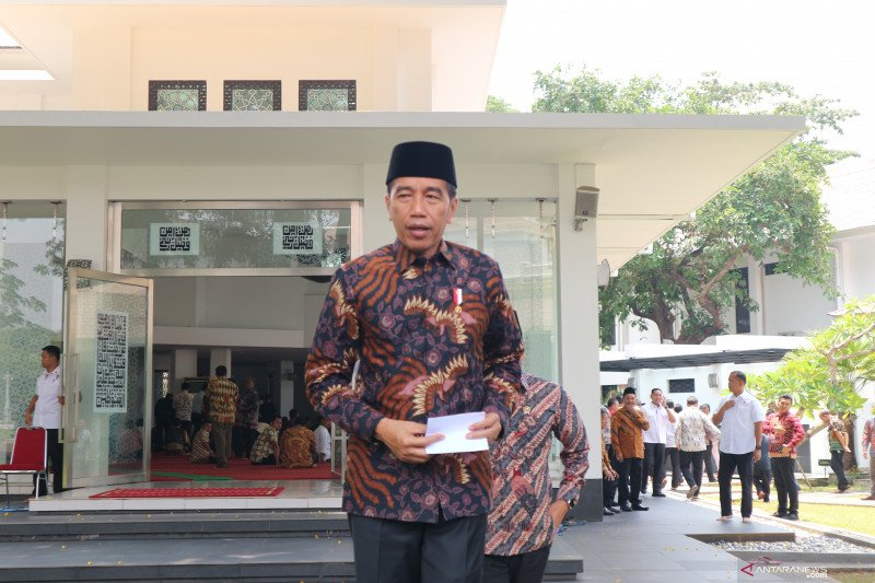 Presiden perintahkan Kapolri investigasi polisi represif