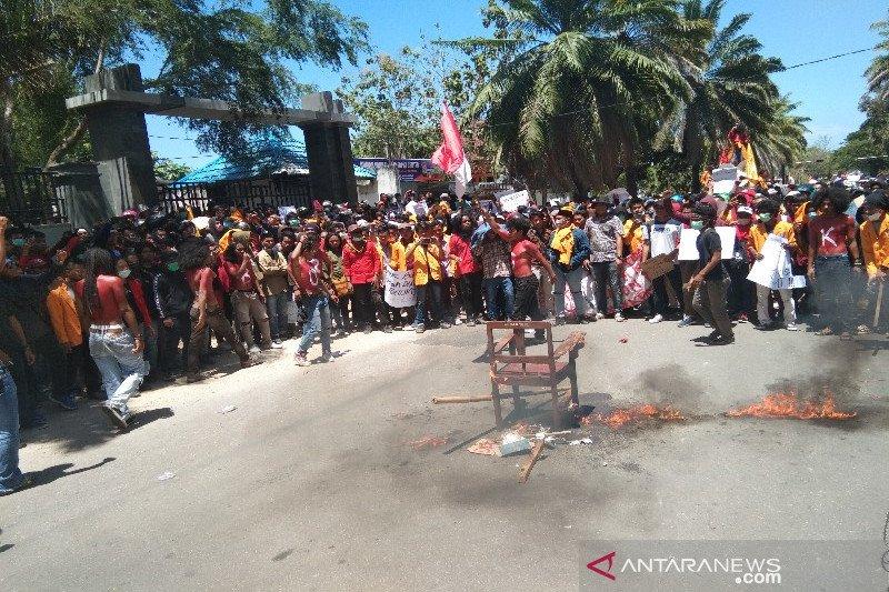 Korban meninggal unjuk rasa di Kendari menjadi dua orang