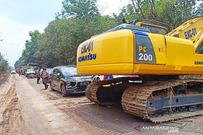 Penutupan Jalan Pertamina di Barito Timur menuai polemik