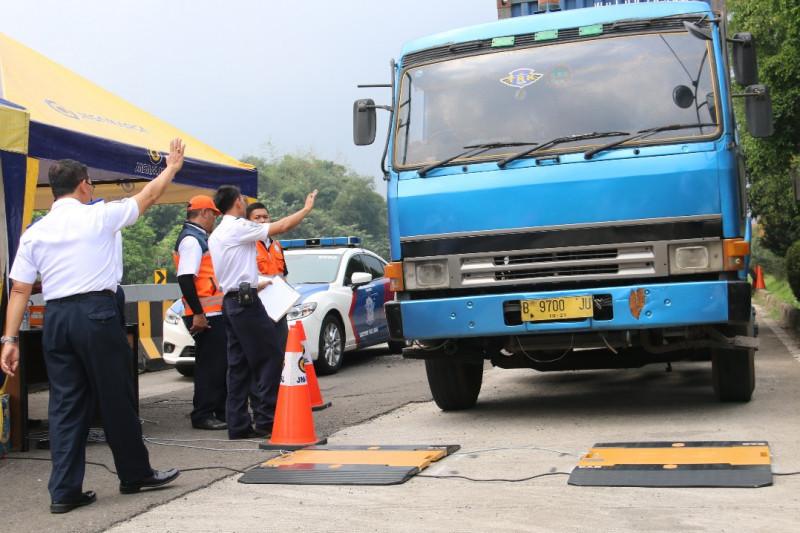 Dishub OKU periksa kendaraan over dimensi dan overload