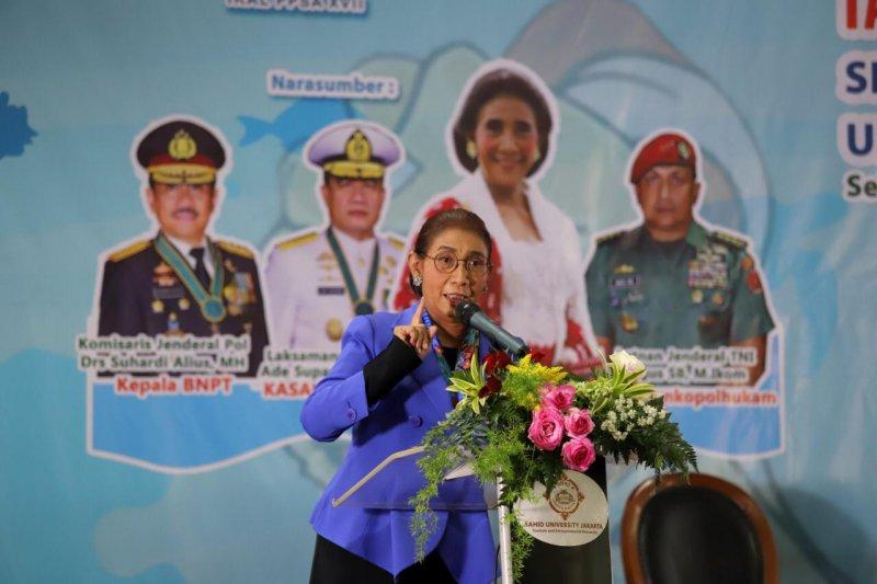 Menteri Susi mendorong dialog antarnegara atasi pencurian ikan
