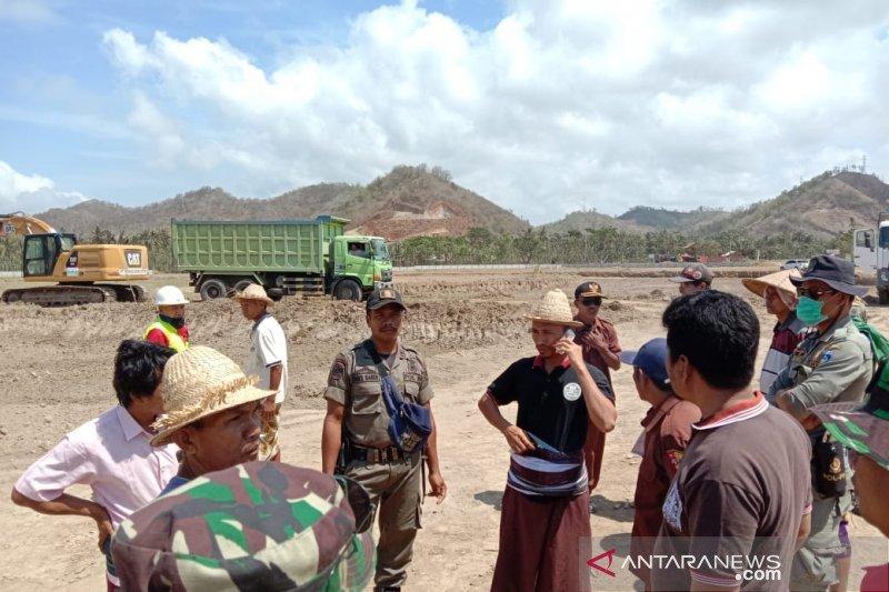 Puluhan warga halangi pembangunan Sirkuit Mandalika