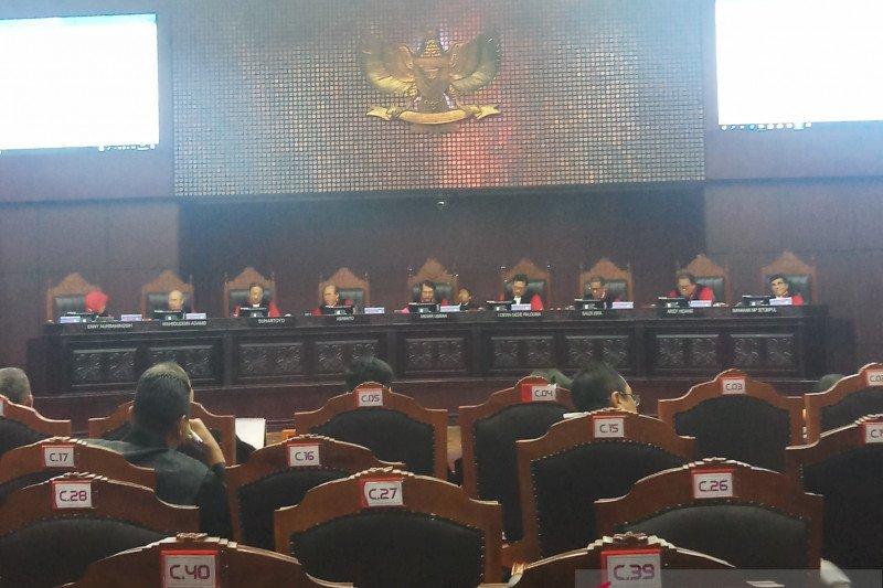 Permohonan uji UU Ombudsman tidak diterima MK
