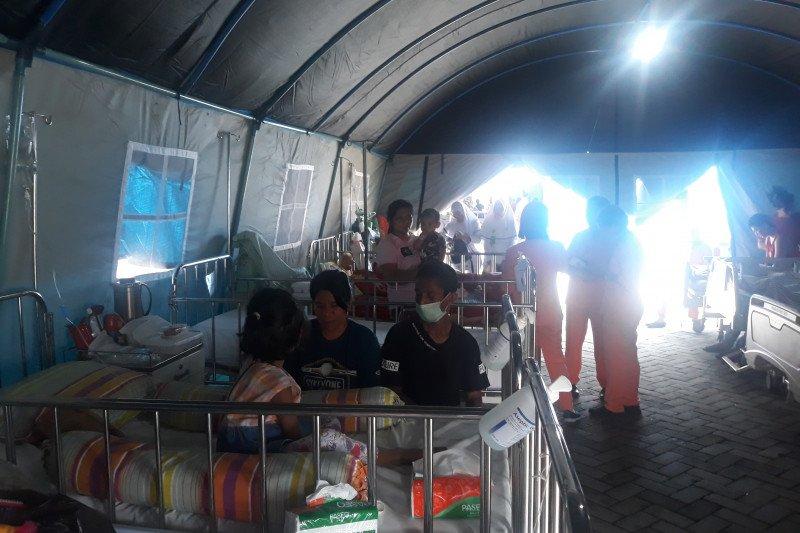 Pasien RSUD Haulussy masih dirawat di tenda