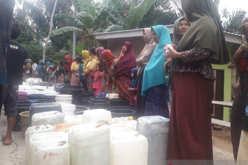 Bank NTB syariah salurkan bantuan air bersih