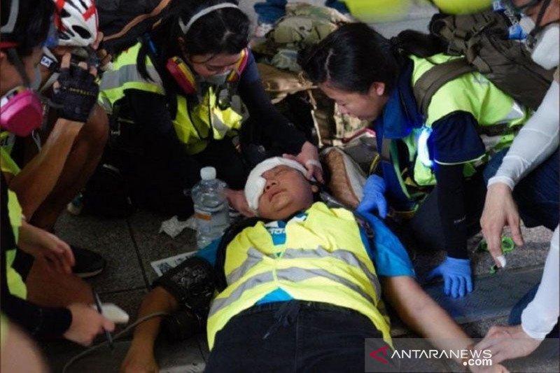 Kondisi mata wartawati Indonesia yang terkena luka tembak diobservasi