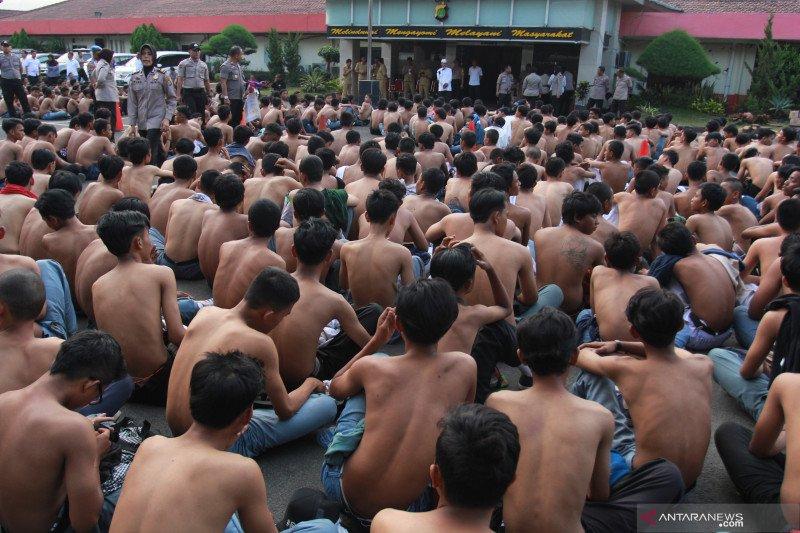 DKI instruksikan sekolah lakukan absen dua kali hindari pelajar demo