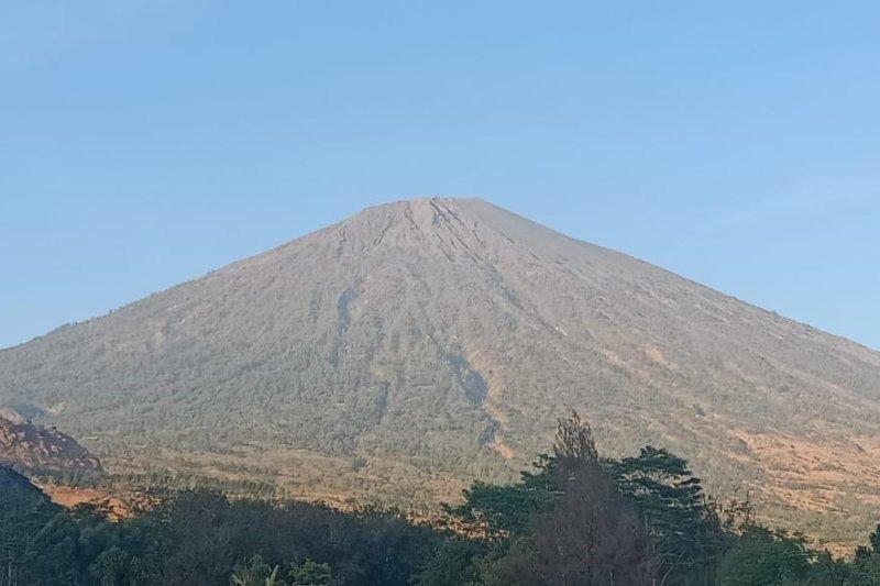 Gunung Rinjani termasuk jajaran wisata terpopuler di mesin pencari Google