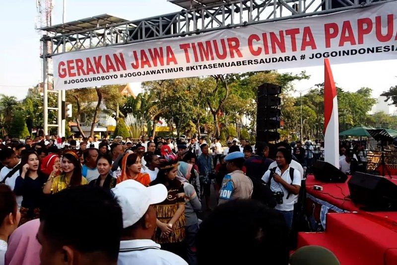 Masyarakat Jawa Timur deklarasi Cinta Papua
