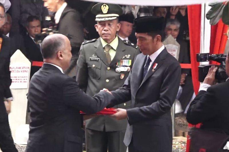 Habibie Wafat - Presiden Jokowi jadi irup upacara pemakaman BJ Habibie