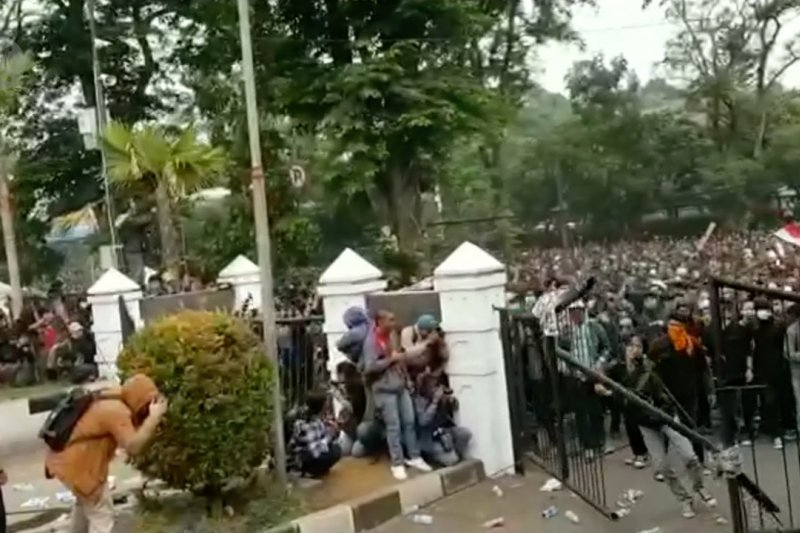 Empat orang mahasiswa Bandung ditetapkan sebagai tersangka