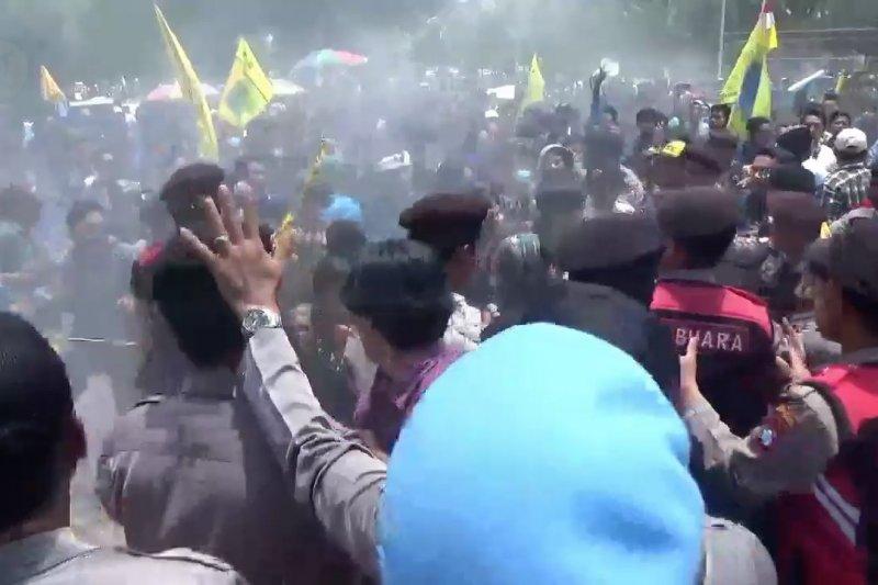Unjuk rasa tolak RUU Pertanahan di Jember diwarnai bentrokan