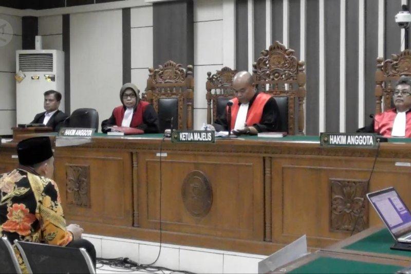 Menyuap hakim, Bupati Jepara divonis 3 tahun penjara