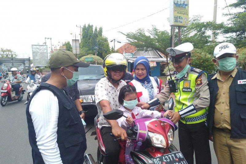 PMI Ogan Komering Ulu bagikan 7 ribu masker gratis