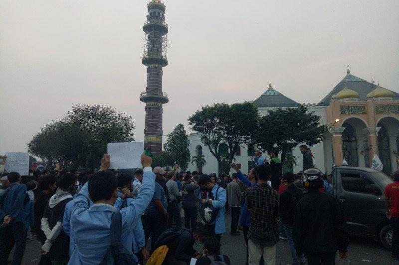 Aliansi Mahasiswa Sumsel kembali  aksi damai turun ke jalan