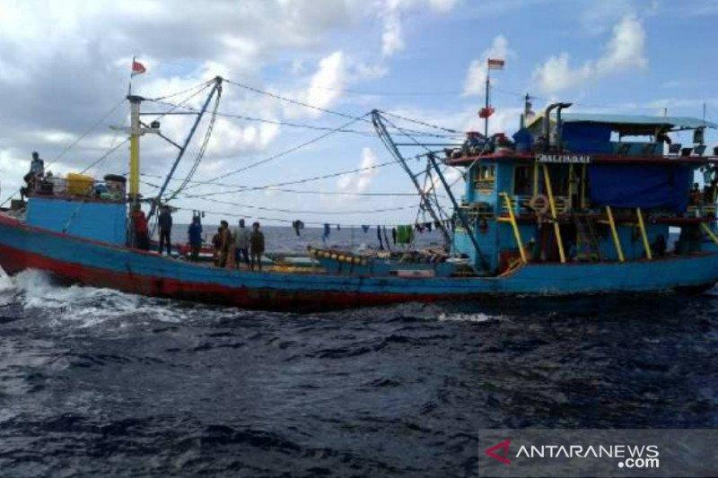 PSDKP Kupang tangkap kapal purse seine asal Banyuwangi