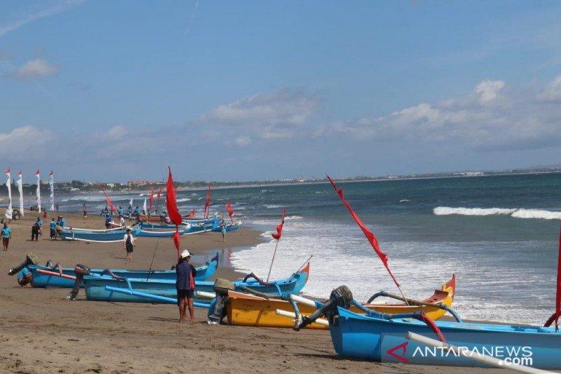 """200 peserta ikuti """"Parade Jukung Tradisional"""" di Bali"""