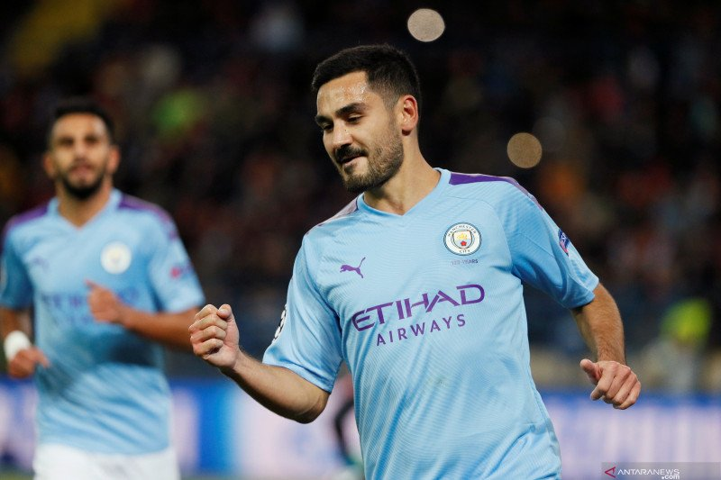 Guardiola tak menyesal City beli Gundogan