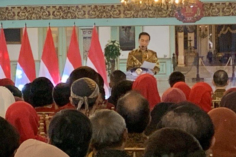 Jokowi: UNESCO mulai evaluasi pengakuannya pada batik Indonesia