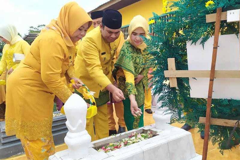 Sambut hari jadi ke-60, Bupati ziarah ke makam para pendiri Kobar