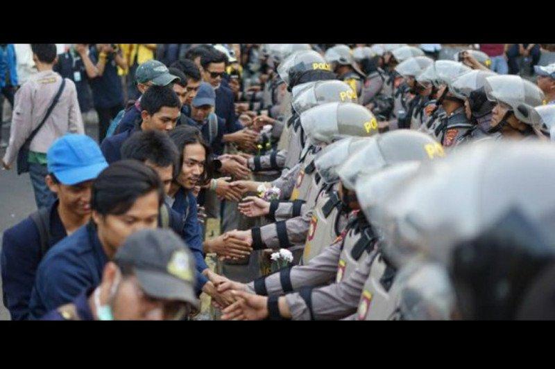 Polri: massa perusuh bukan para demonstran
