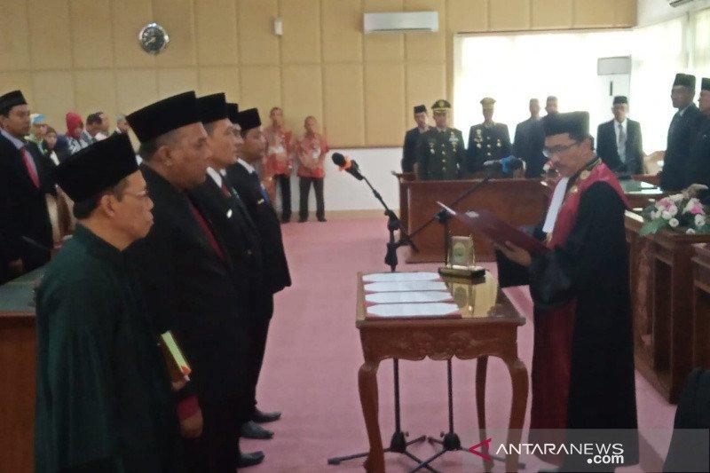 DPRD Bantul menetapkan empat pimpinan dewan masa jabatan 2019-2024