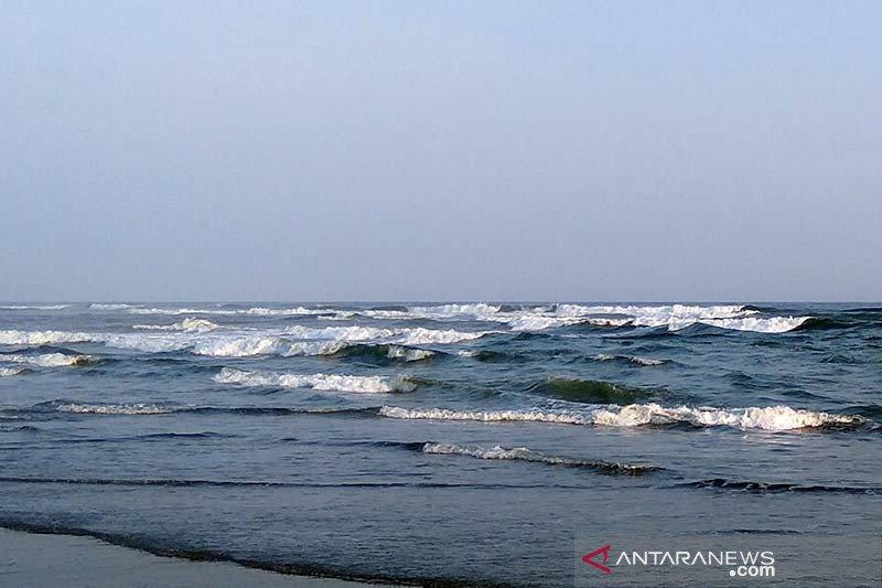 Gelombang tinggi masih berpotensi terjadi di laut selatan Jabar-DIY