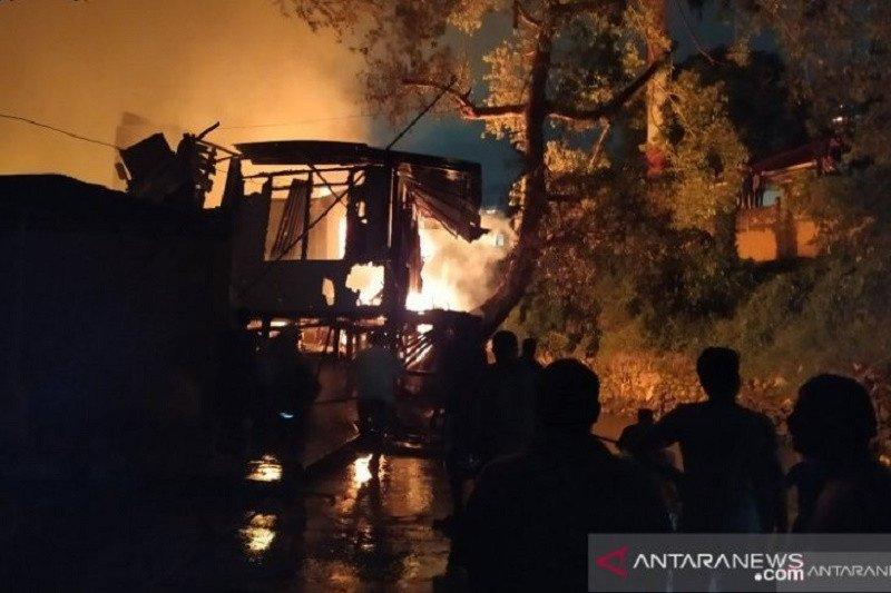 Kebakaran di Jalan S Parman, Gang Langgar, Medan hanguskan sedikitnya  43 rumah