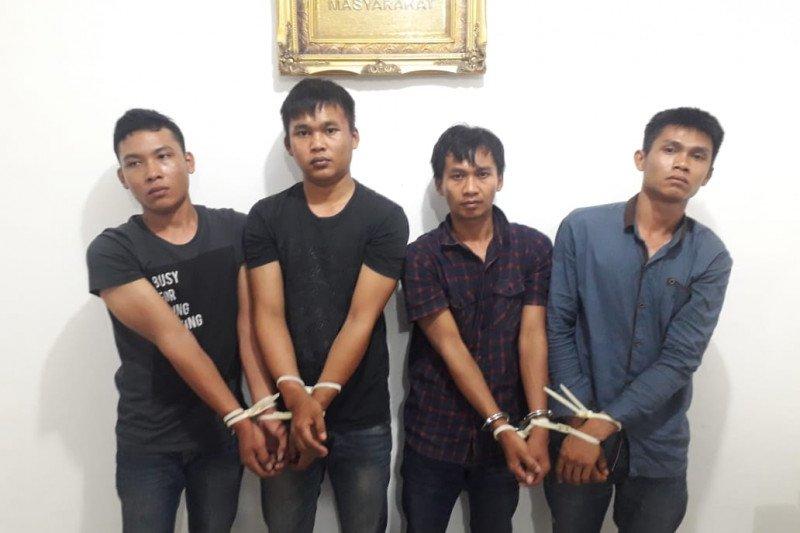 Dalam satu jam, aksi komplotan pencuri saldo ATM di Solok dihentikan di Tanah Datar
