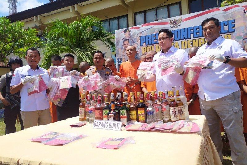 Puluhan pengedar dan pengguna narkotika diringkus Polresta Denpasar