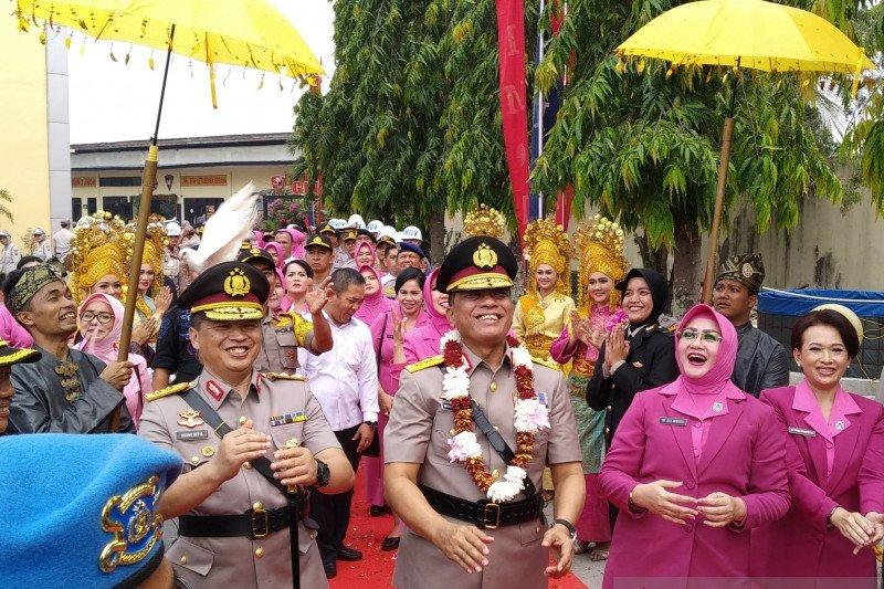 "Kapolda Riau : kita arungi ""perahu lancang kuning"" di malam hari bersama"