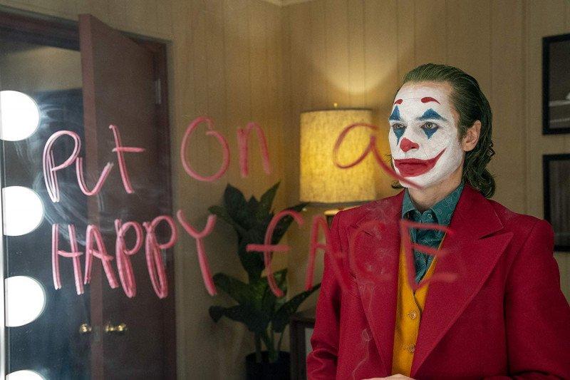 """Joker"" dalam ironi kehidupan serba pas-pasan"