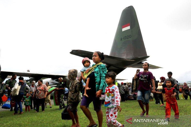 TNI AU kerahkan empat Hercules untuk evakuasi korban kerusuhan Wamena
