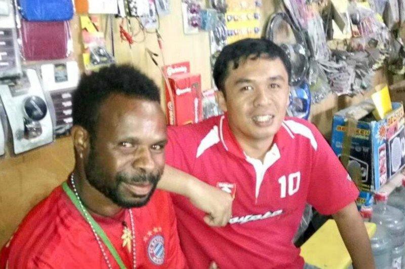 Rudi Kormas selamat dari rusuh di Papua berkat handy talky