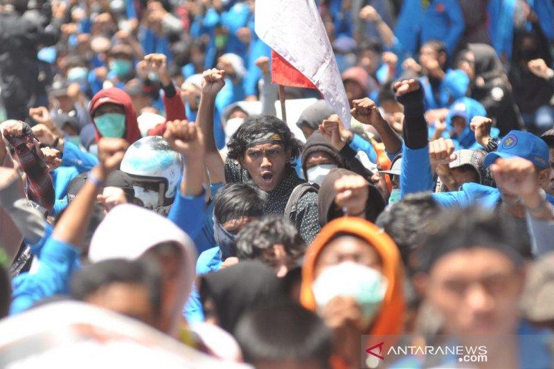 GM Untad tuntut tindak oknum Polri dan TNI yang represif terhadap mahasiswa