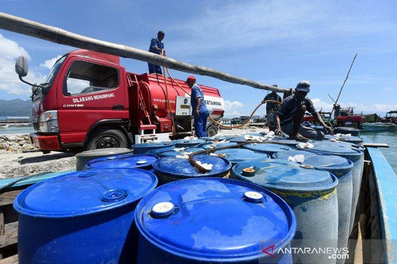 Pertamina distribusikan perdana BBM ke Pulau Maya