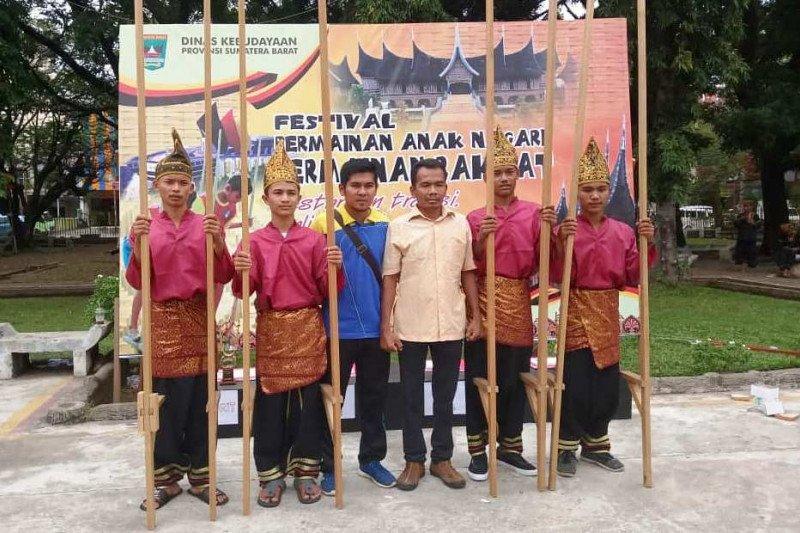 Pelajar Solok Selatan wakili Sumbar lomba permainan anak-anak di Jakarta