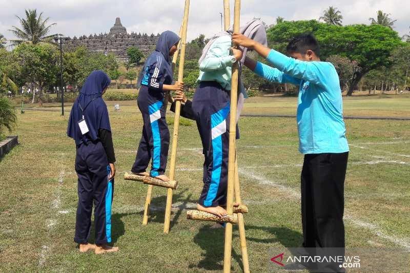 Pengunjung Borobudur Dikenalkan Permainan Tradisional Antara News Kupang Nusa Tenggara Timur