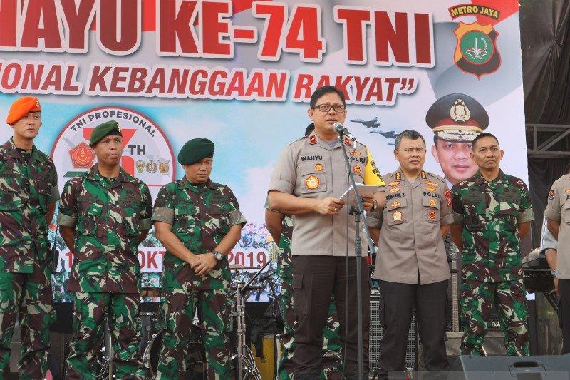 Polda Metro Jaya gelar upacara HUT Ke-74 TNI di Gedung DPR/MPR RI