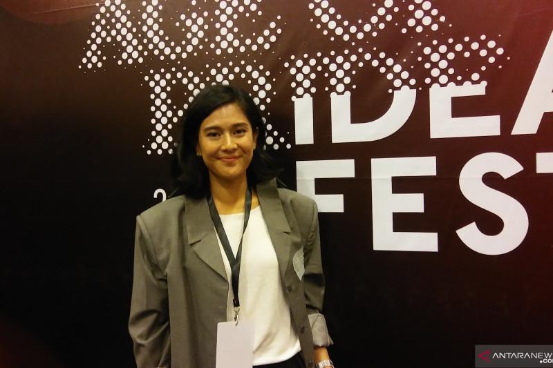 "Dian Sastro jadi produser di film ""Guru Guru Gokil"""