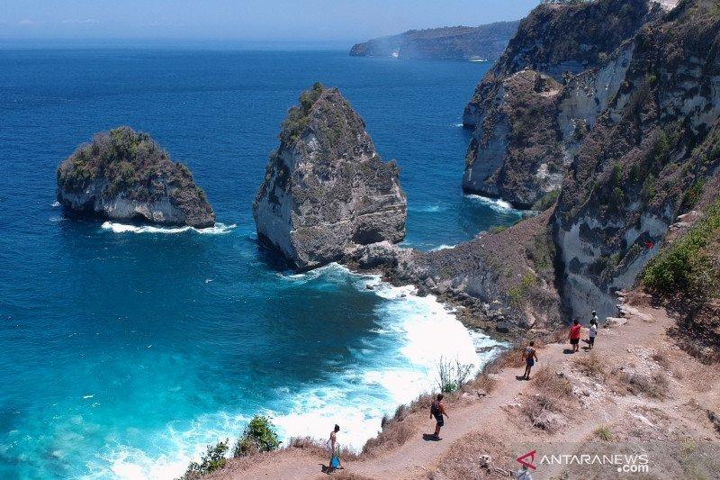 Potensi wisata Pantai Diamond Nusa Penida