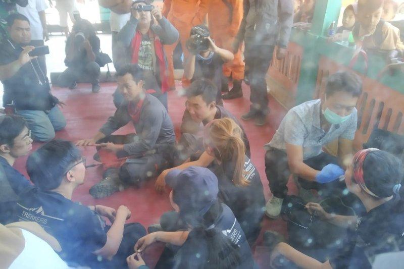 Tujuh pendaki Singapura terjebak kebakaran Gunung Raung selamat