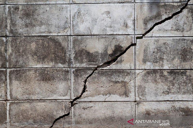 Gempa sebabkan kerusakan rumah warga di Mamuju Tengah