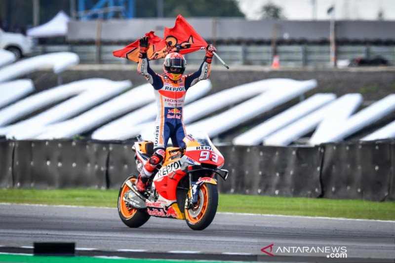 Marquez juara dunia setelah menangi duel dengan Quartararo  GP Thailand